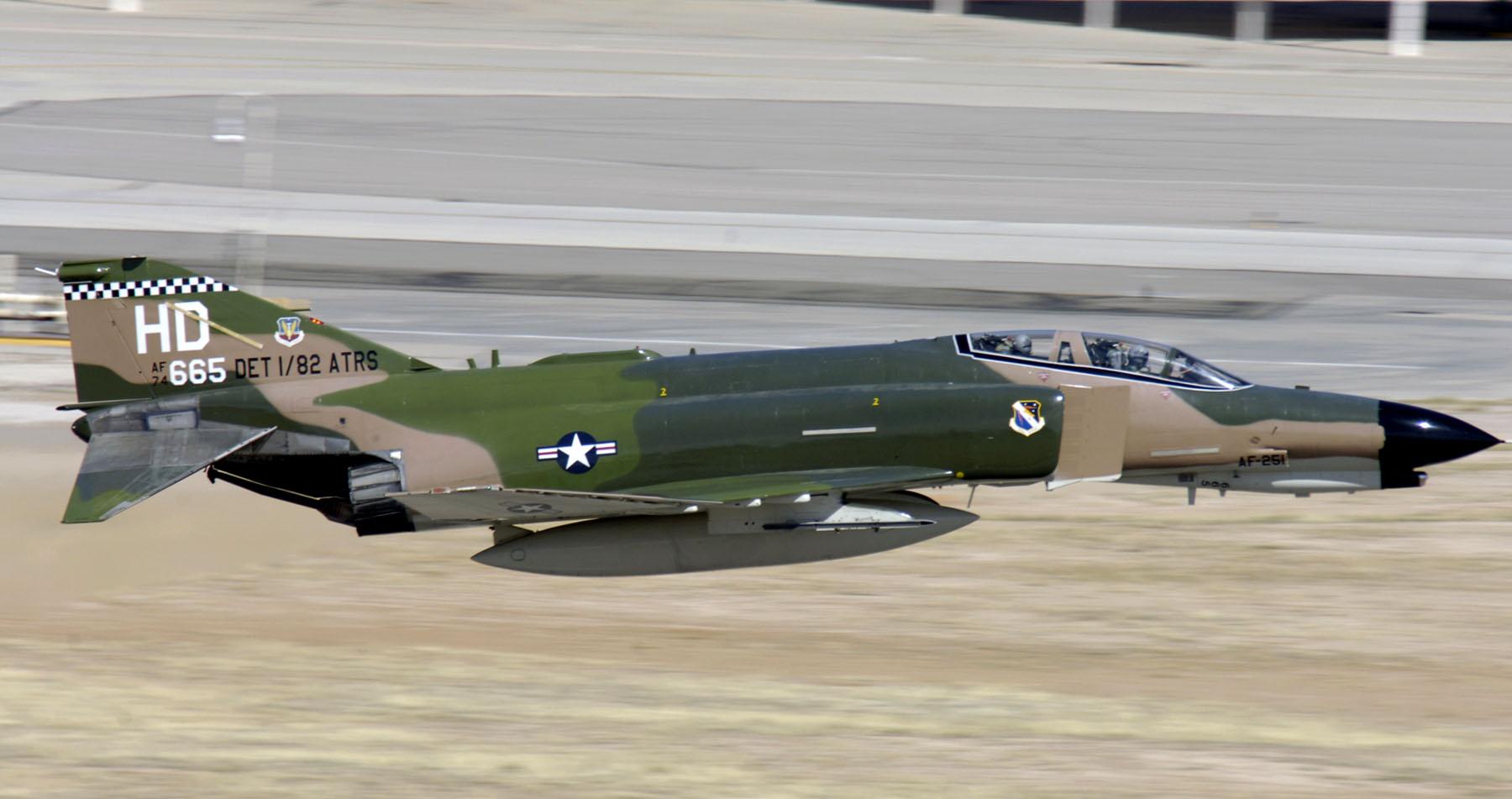 F-4_Phantom_II_1.JPG