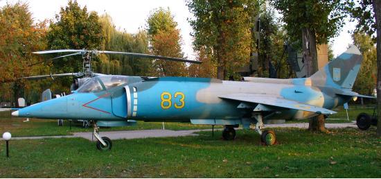 Як-38. Штурмовик вертикального взлета. (СССР)