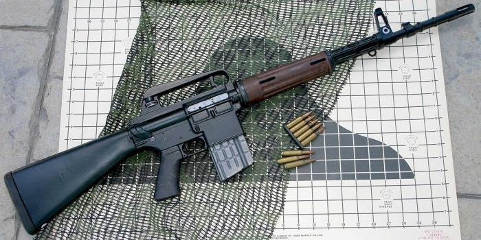 AR-10. Автоматическая винтовка. (США)