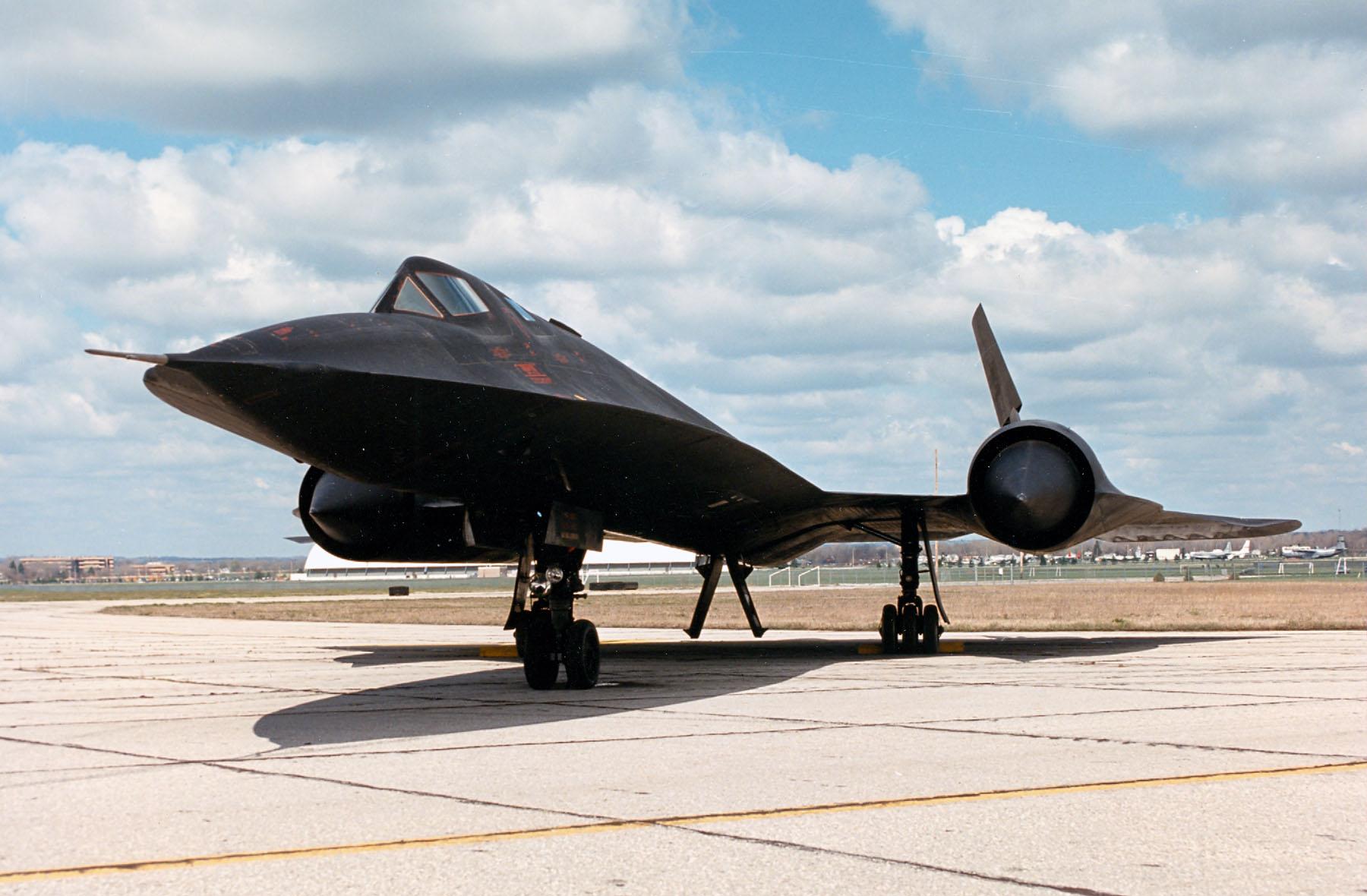 sr-71 blackbird стратегический разведчик