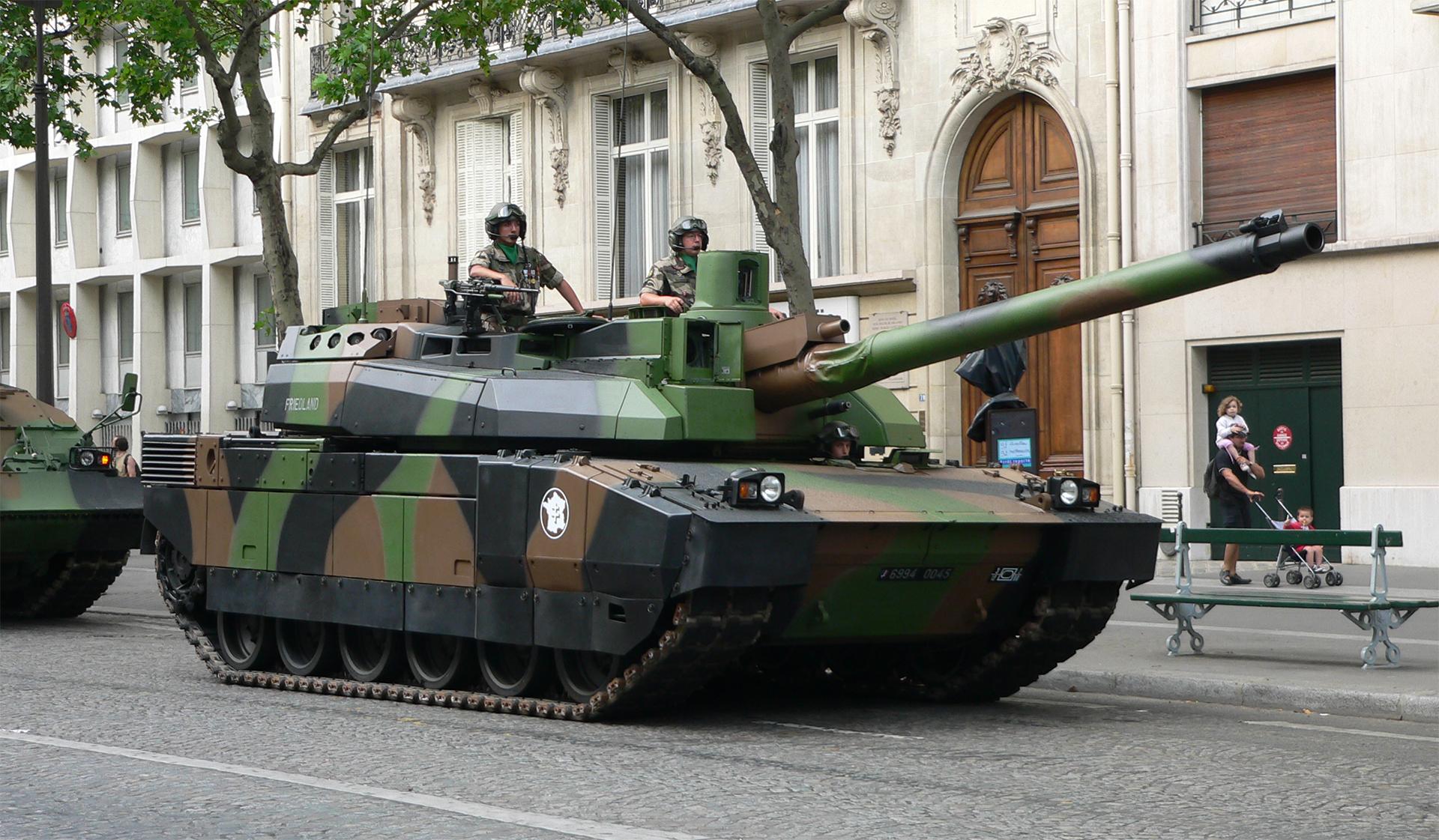 https://modernweapon.ru/images/tanks/Leclerc_2.jpg
